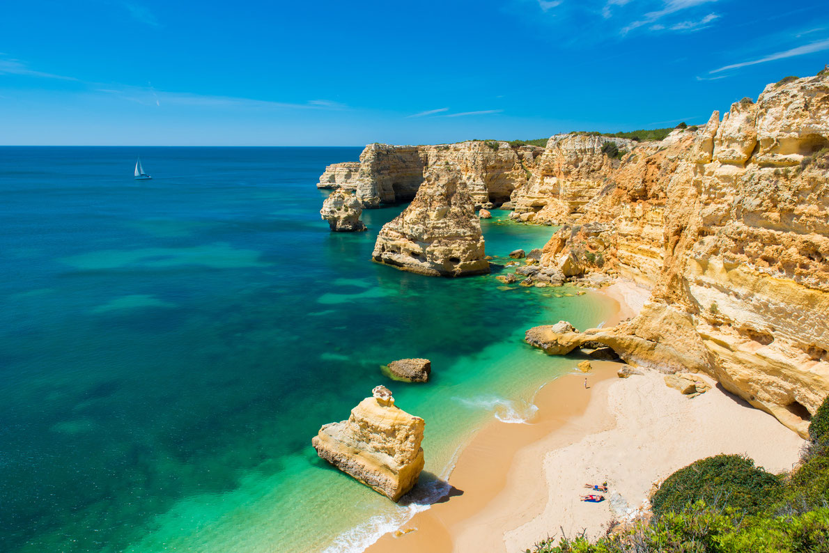 praia-da-marinha-beach-marinha-in-algarve-portugal-best-beaches-in-europe